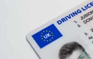 Licencia o carnet de conducir para alquilar un coche en Edimburgo