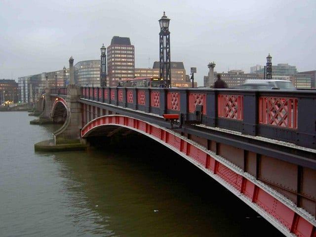 Historia de los puentes de Londres