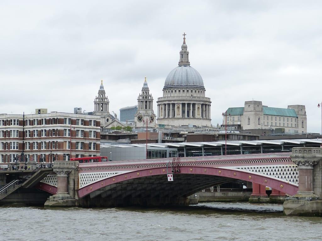 Los puentes de Londres en un mapa