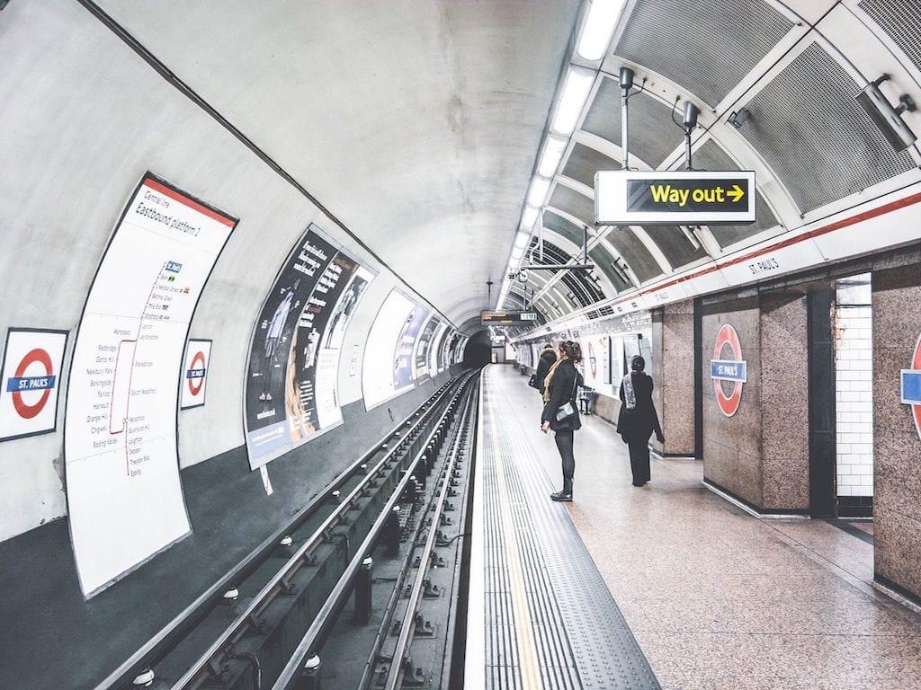 Monumentos de Londres: metro y Harrods