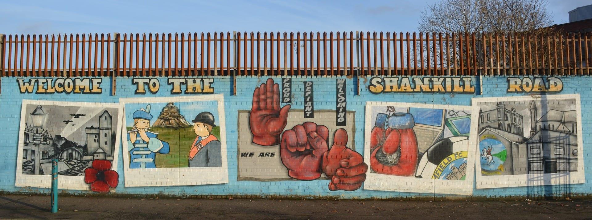 Qué ver y Hacer en Belfast: muro de Belfast