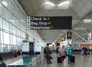 Aeropuerto para ir de viaje de fin de curso a Londres
