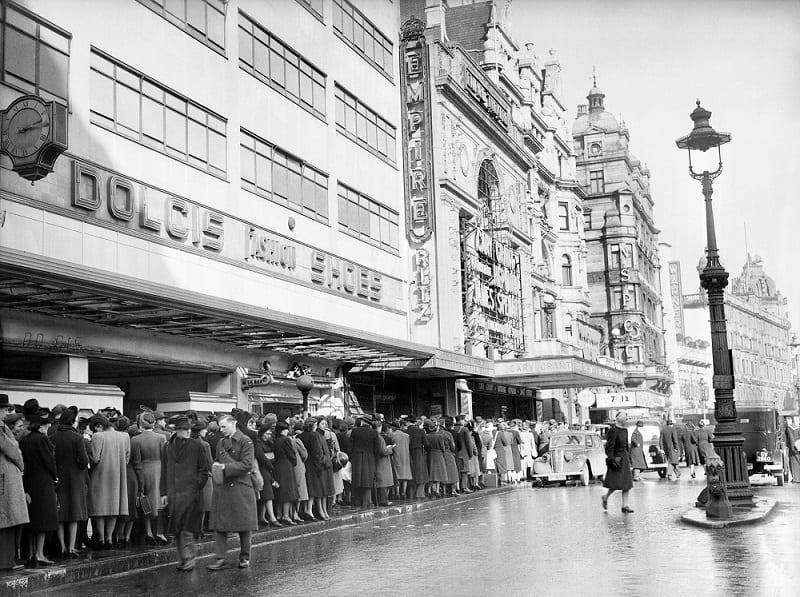 Leicester Square Foto antigua