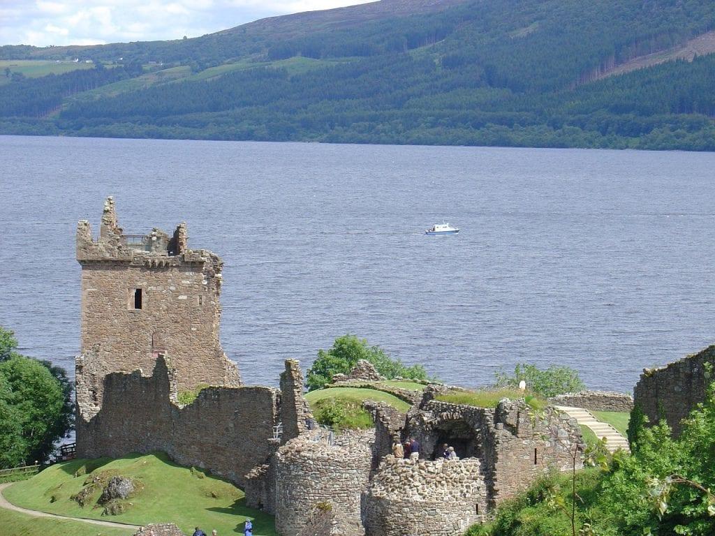 Visitar el Castillo de Urquhart y el Lago Ness