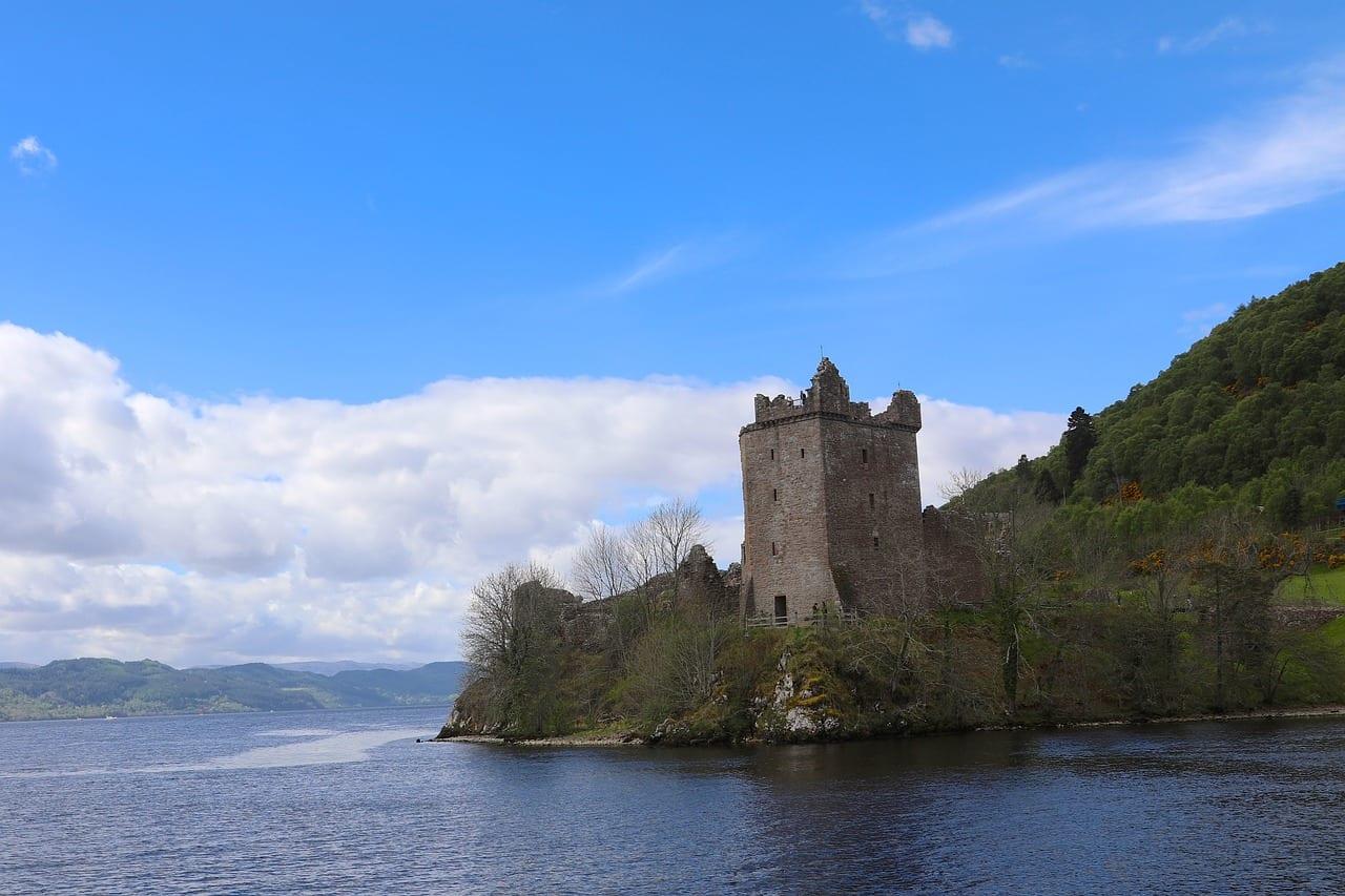 Visitar el castillo de Urquhart en Escocia